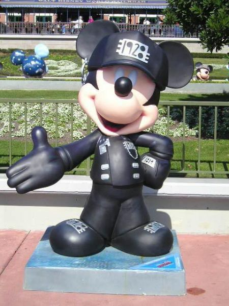 normal_Mickey_Nation_Outside_Disneyworld